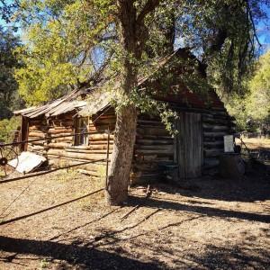 Tony cabin Superstition Mountains arizona hiking superstitionmountains hauntedcanyon itsabandoned