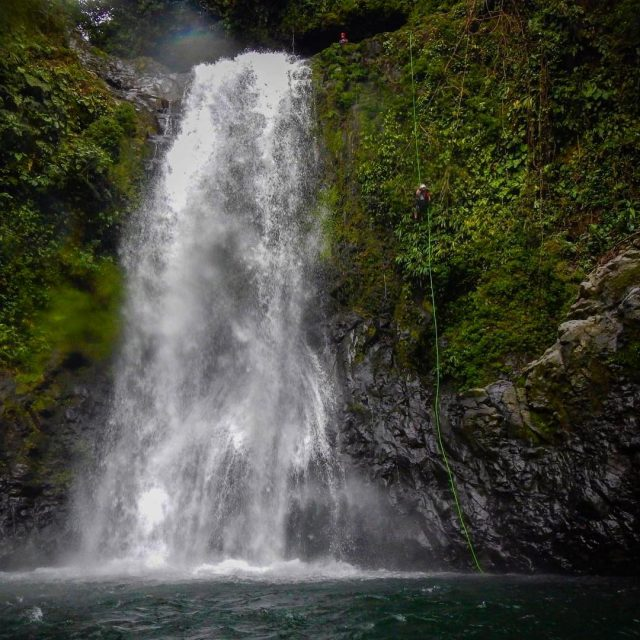 Rio Perlas costarica canyoning waterfall canyoneering scenic rappelling